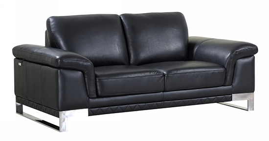 Global United 411 -  Genuine Italian Leather Loveseat in Black color.