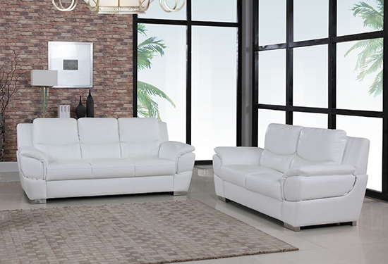 Global United 4572 Leather Match 2PC Sofa Set in White color.
