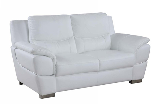 Global United 4572 - Leather Match Loveseat in White color.