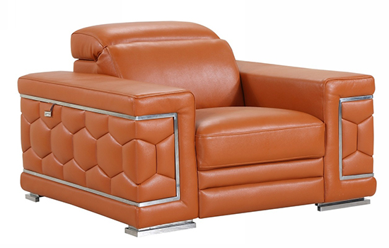 Global United 692 - Genuine Italian Leather Chair in Camel color.