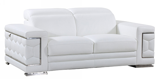 Global United 692 - Genuine Italian Leather Loveseat in White color.
