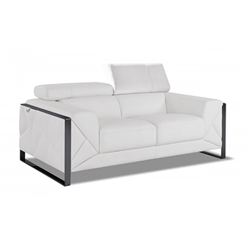 Global United 903 - Genuine Italian Leather Loveseat in White color.