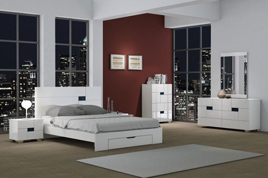 Global United Aria - 4PC Bedroom Set in White Color.