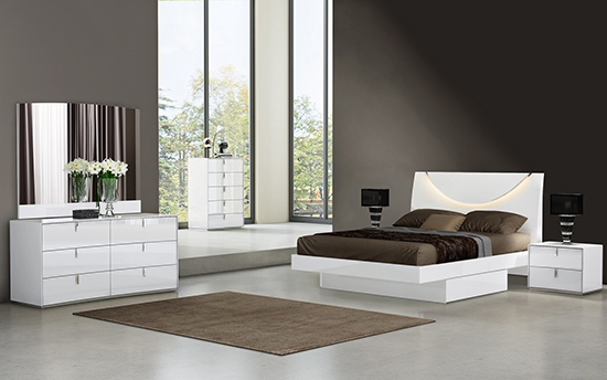 Global United Bellagio - 4PC Bedroom Set in White Color.