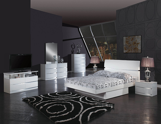 Global United Wynn - 6PC Bedroom Set in White Color.